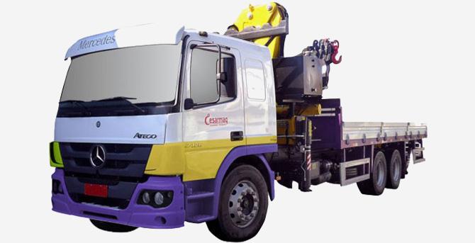 Caminhão guindaste articulado Atego 2426